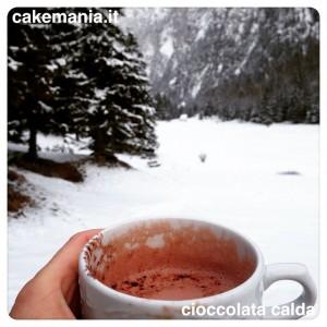 Forse il modo migliore di godersi una #cioccolata calda ⛄️…