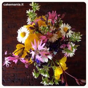 Quel mazzolin di #fiori... Che sembra un quadro fiammingo. #lagrandebellezza…