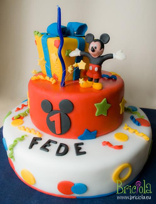Snoopy Cupcake Cake