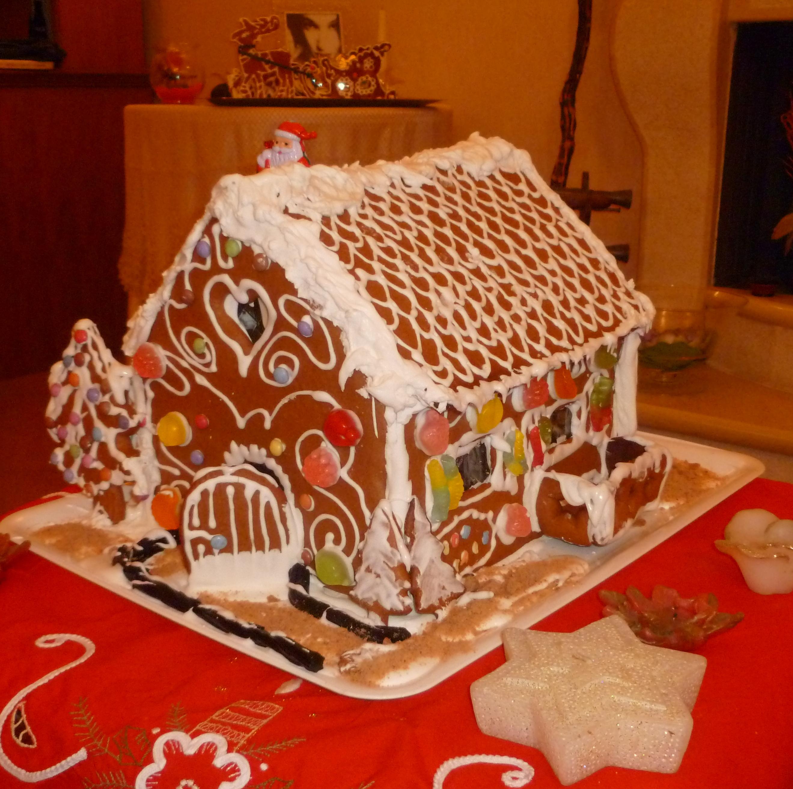 Cake Design Ricette Natale : casetta panpepato 13 - Cakemania, dolci e cake design
