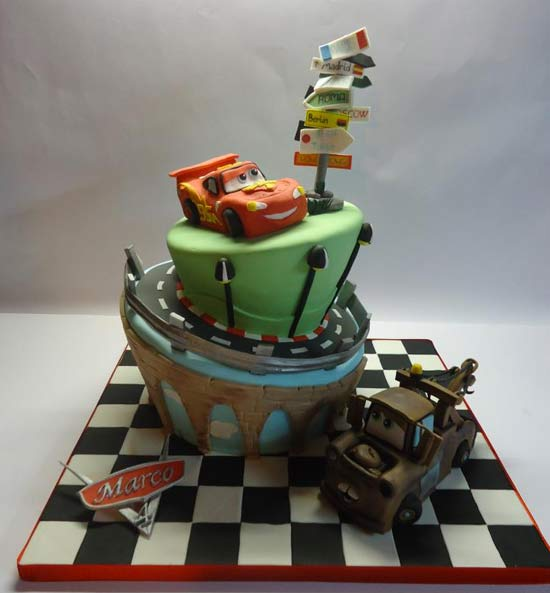 Torte Cake Design Di Cars : Torta Cars, video tutorial - Cakemania, dolci e cake design