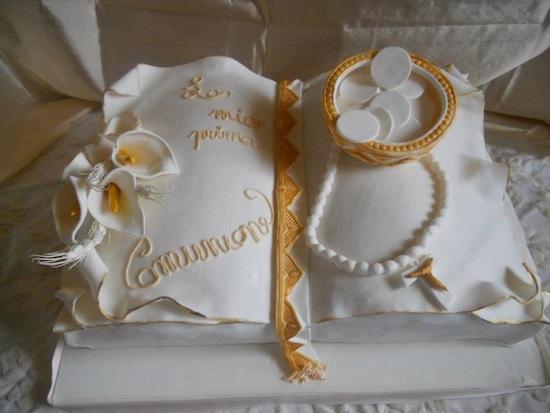 Torte prima comunione a forma di libro for Decorazione torte prima comunione