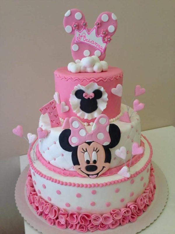 pretty minnie mouse cake