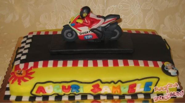 Torte Cake Design Di Cars : Torte per un motociclista - Cakemania, dolci e cake design