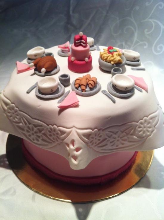 Torte per casalinghe disperate e mamme molto occupate for Isola cucina a forma di torta