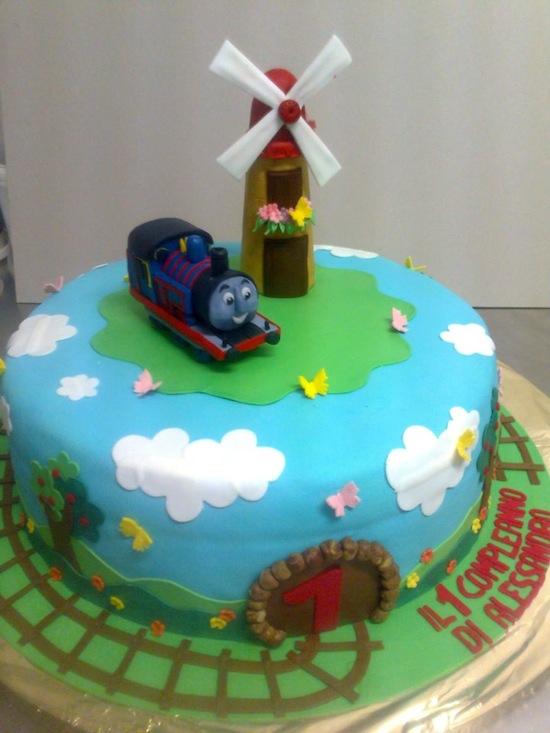 Torte con il trenino thomas cakemania dolci e cake design for Decorazioni torte trenino thomas