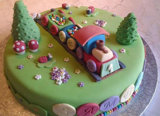Cake Design Ricette Pasta Di Zucchero : Torte con trenini - Cakemania, dolci e cake design