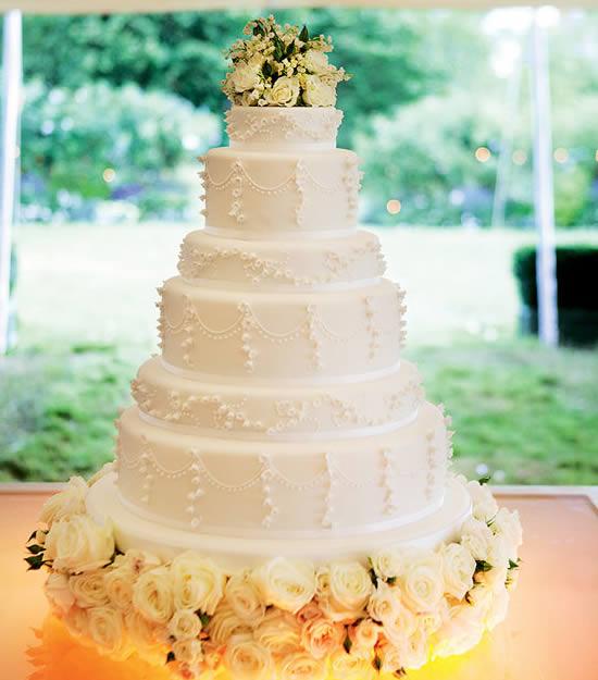 La wedding cake creata da Peggy Porschen per il matrimonio di Kate Moss e Jamie Hince