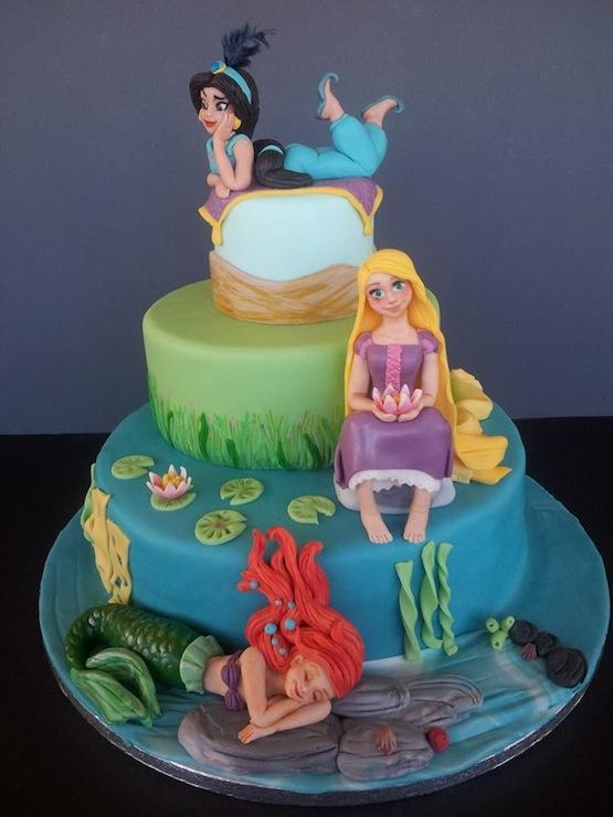 Cake Design Principesse Disney : Torte castello con le principesse Disney
