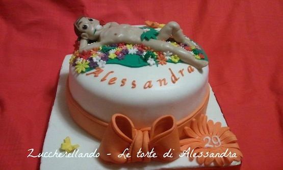 torta uomo nudo