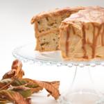 La torta di mele, noci e caramello è perfetta per la stagione autunnale. Photo: Federico Casella per Cakemania®