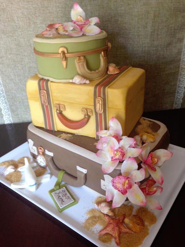 torta a forma di valigia