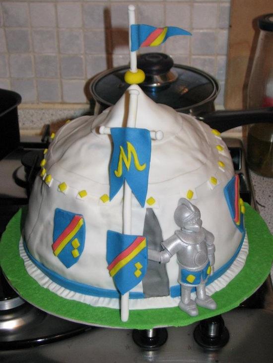 Torte con mike il cavaliere e torte in stile medievale - Mike le pagine da colorare cavaliere ...