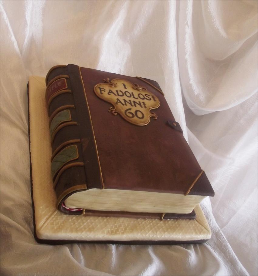 torte a forma di libro