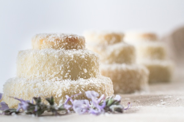 Dalila Cake Design Ricette : Ricetta - Tortine al cocco - Cakemania, dolci e cake design