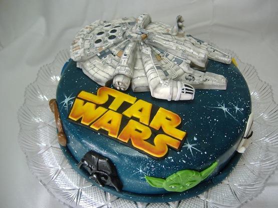 Millennium Falcon Cake Design