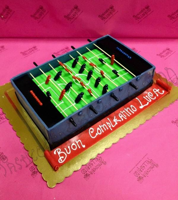 Torta calcio balilla gallery di torte a forma di biliardino - Calcio balilla design ...