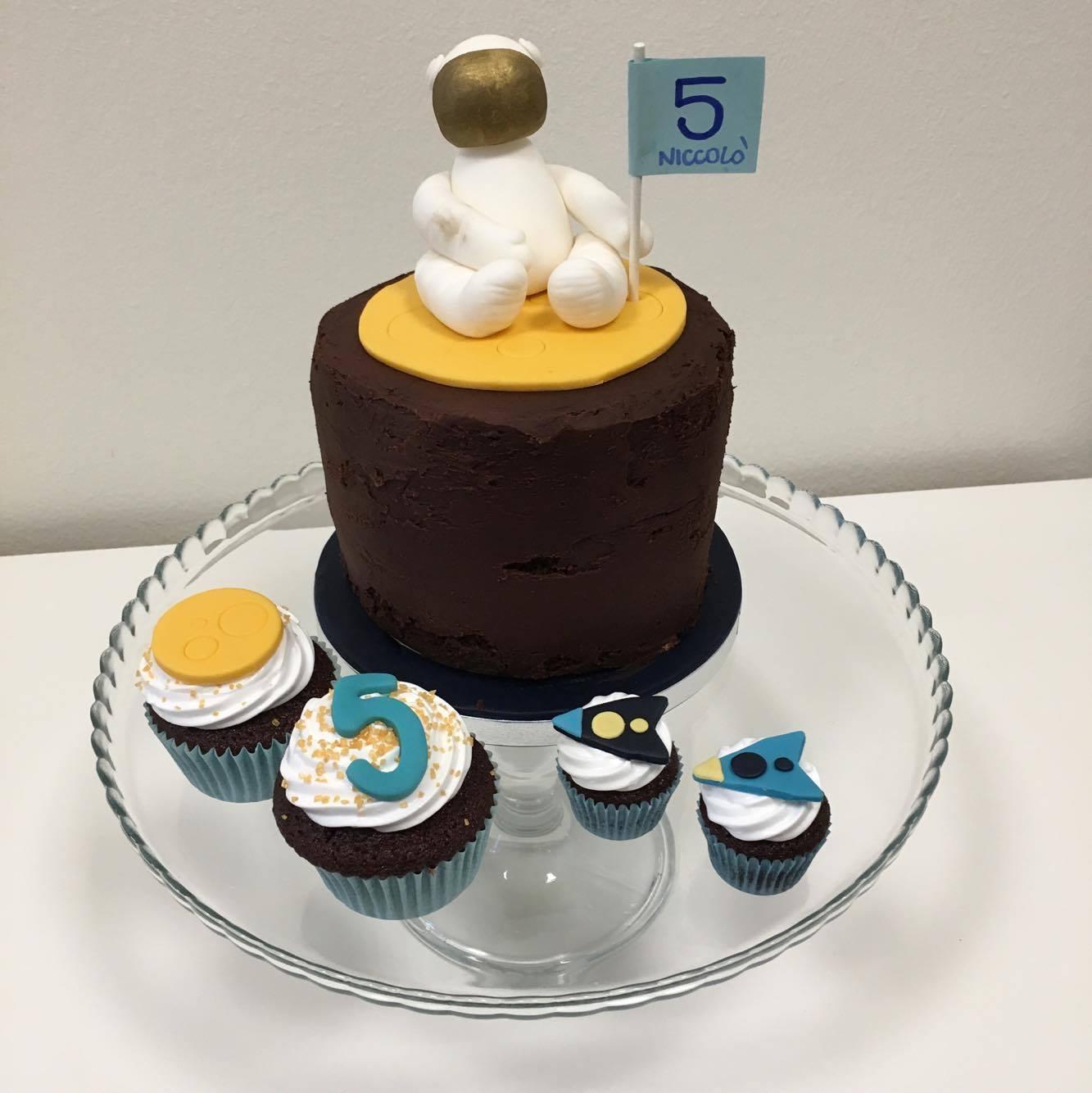easy astronaut cake