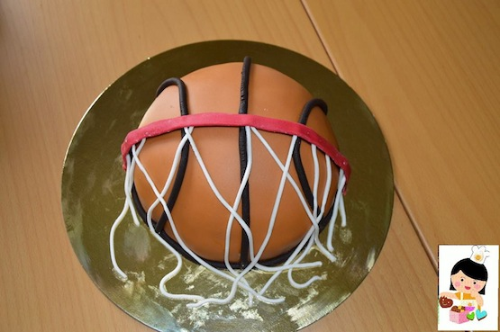 cake design basket