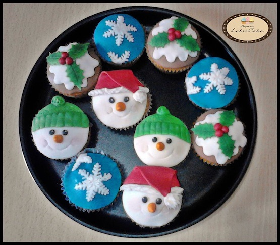 Decorate Christmas Cake With Fruit
