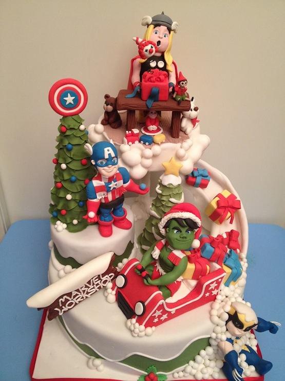 Torta natale supereroi squisitamente zucchero