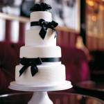 "Torta ""Perla di parigi"" ispirata a Chanel © Mich Turner"