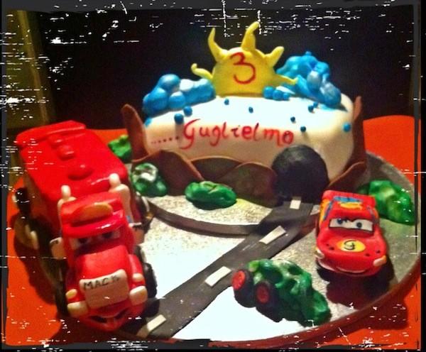 Torte Cake Design Cars : Torte Cars: Saetta McQueen e Cricchetto in pasta di zucchero