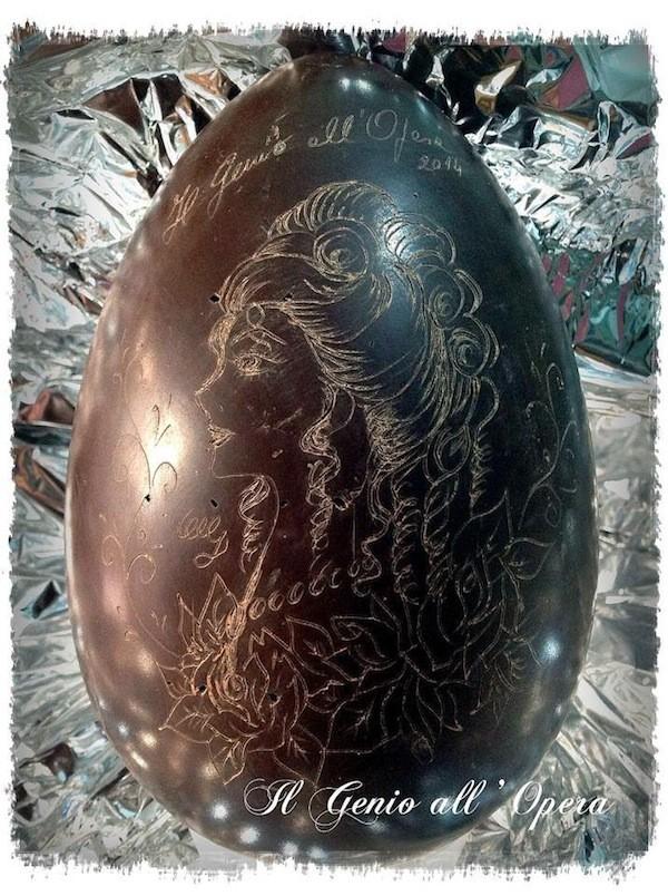 uovo di pasqua inciso
