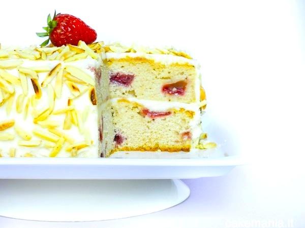 torta mandorle e fragole
