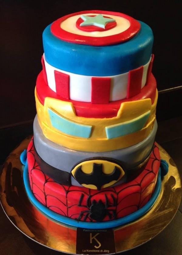 Pin una torta que exalta el amor la paz y onda hippie cake for Decorazioni torte ninjago