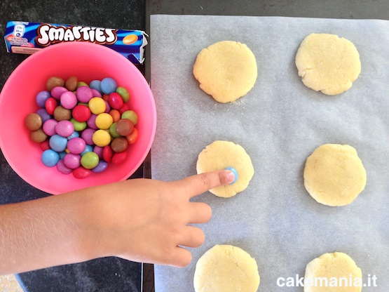 how-to-make-smarties-cookies