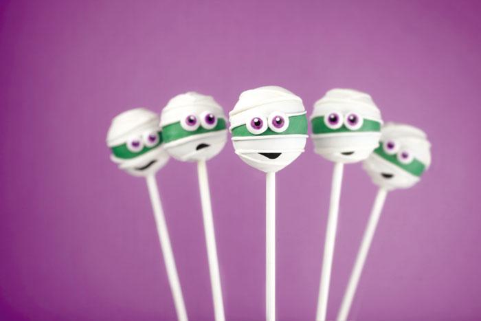 Cake-Pops-Halloween_Yummy-Mummies-bakerella