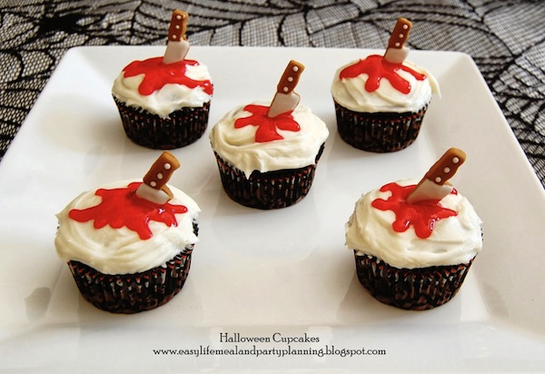 Halloween cupcake con coltello