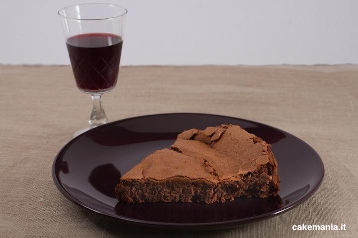 Come abbinare il vino ai dolci: Aleatico e torta al cioccolato fondente. Photo © Federico Casella per Cakemania®