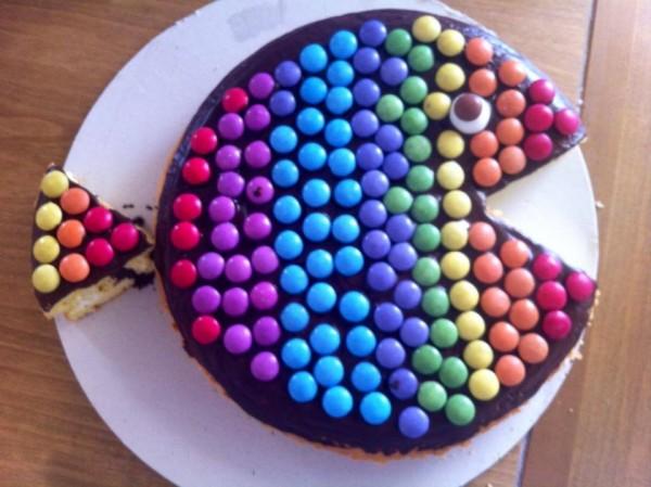 Torte decorate con smarties e m m 39 s cake design facile for Piani a forma di l per piccoli lotti