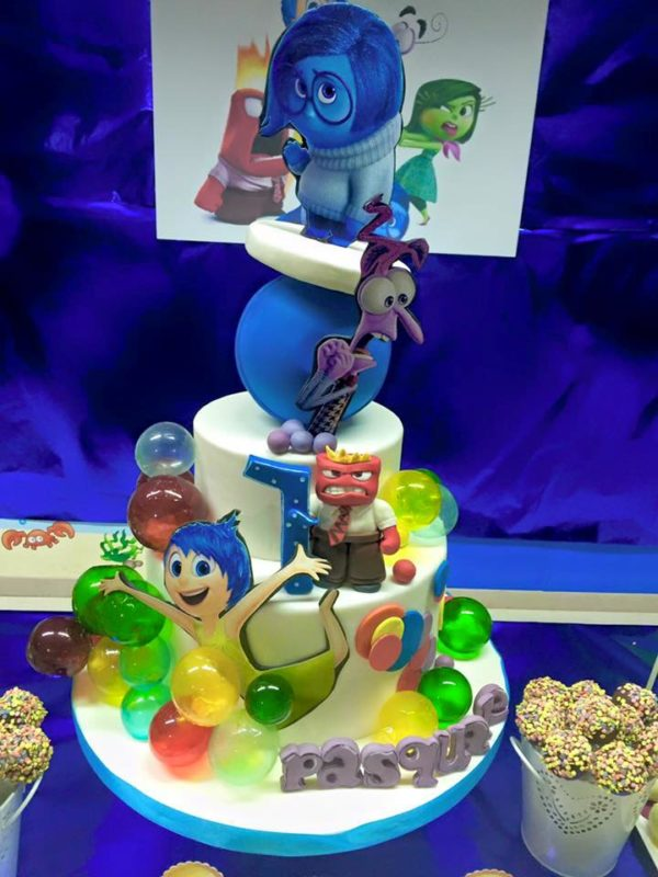 inside out cake with gelatine bubbles