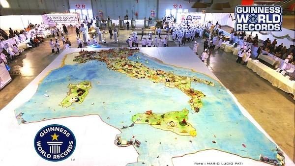 La torta pi grande del mondo italiana for La villa piu grande del mondo