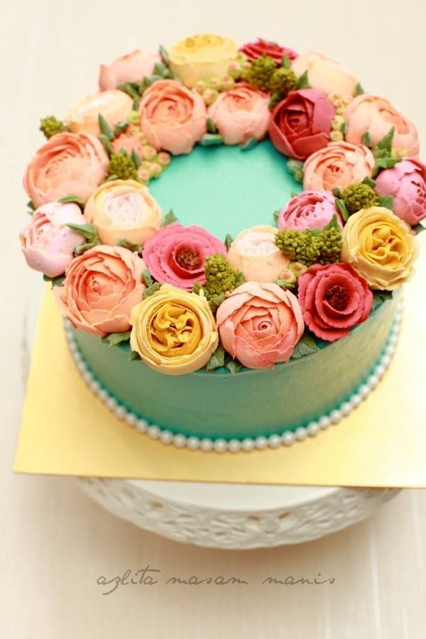 Cakes With Carnation Decorating
