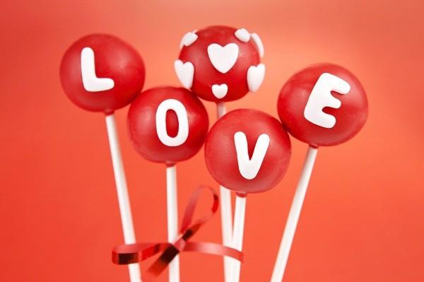 valentines_day_cake_pops