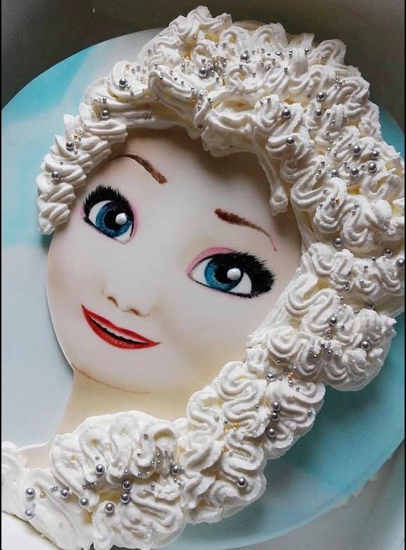 Tutorial Di Cake Design Elsa Di Frozen Con L Aerografo