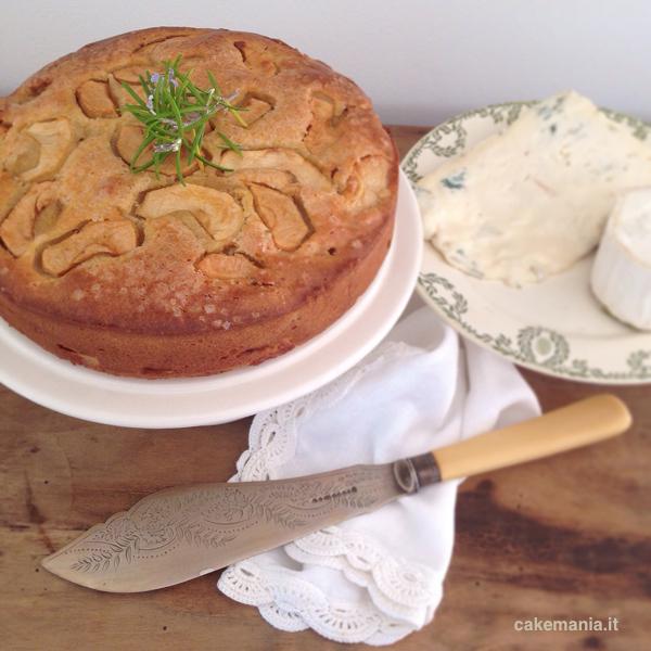Torta di mele con olio di oliva e ricotta