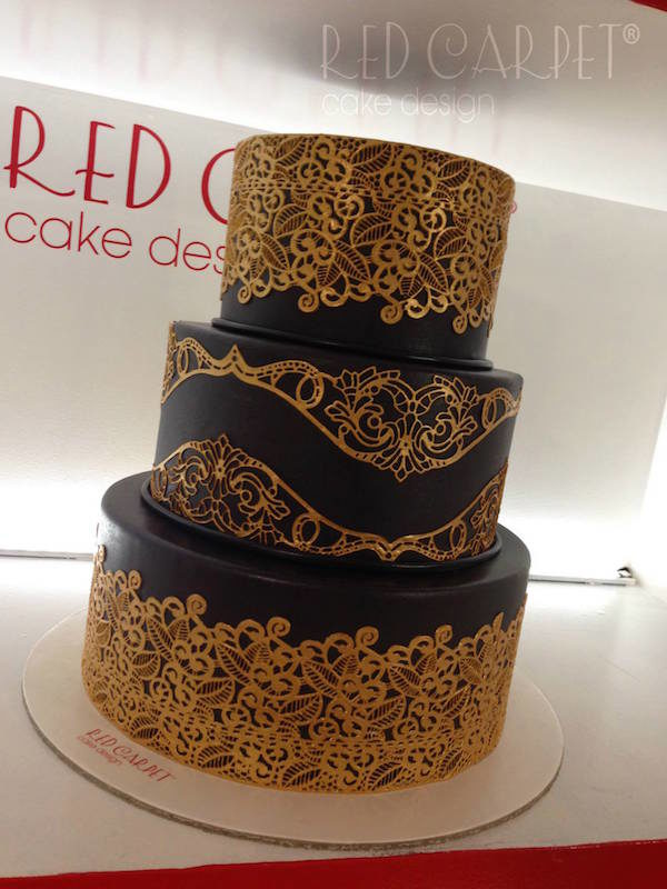 golden lace cake