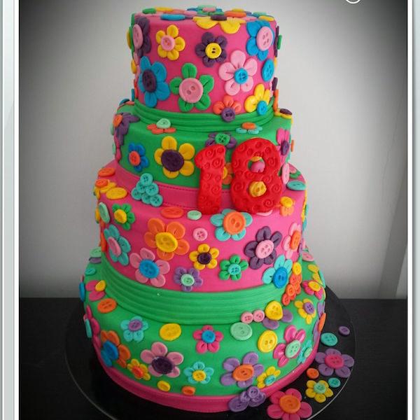 flower button birthday cake