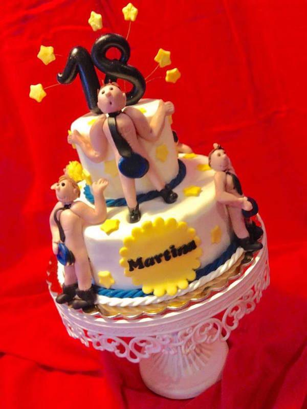 torta spogliarello 18 anni