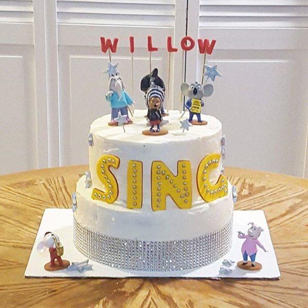 birthday cake sing movie