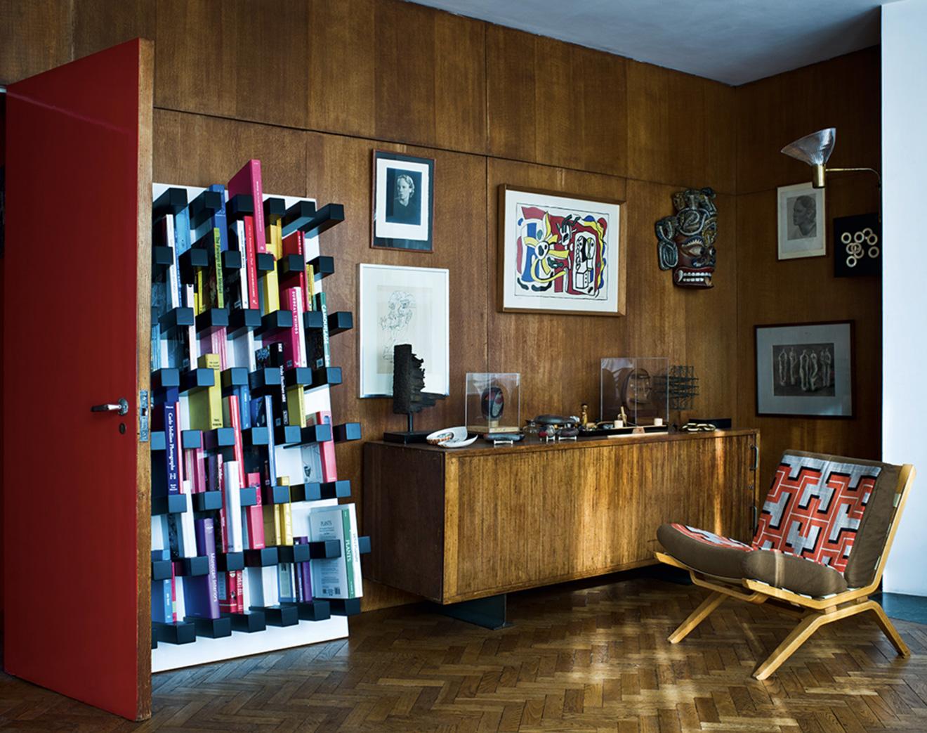 libreria piola bookshelf