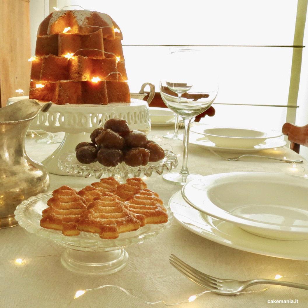 tavola-natale-decorata-con-luci