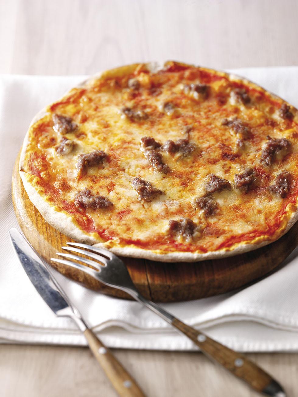 Pizza alla salsiccia e peperoncino