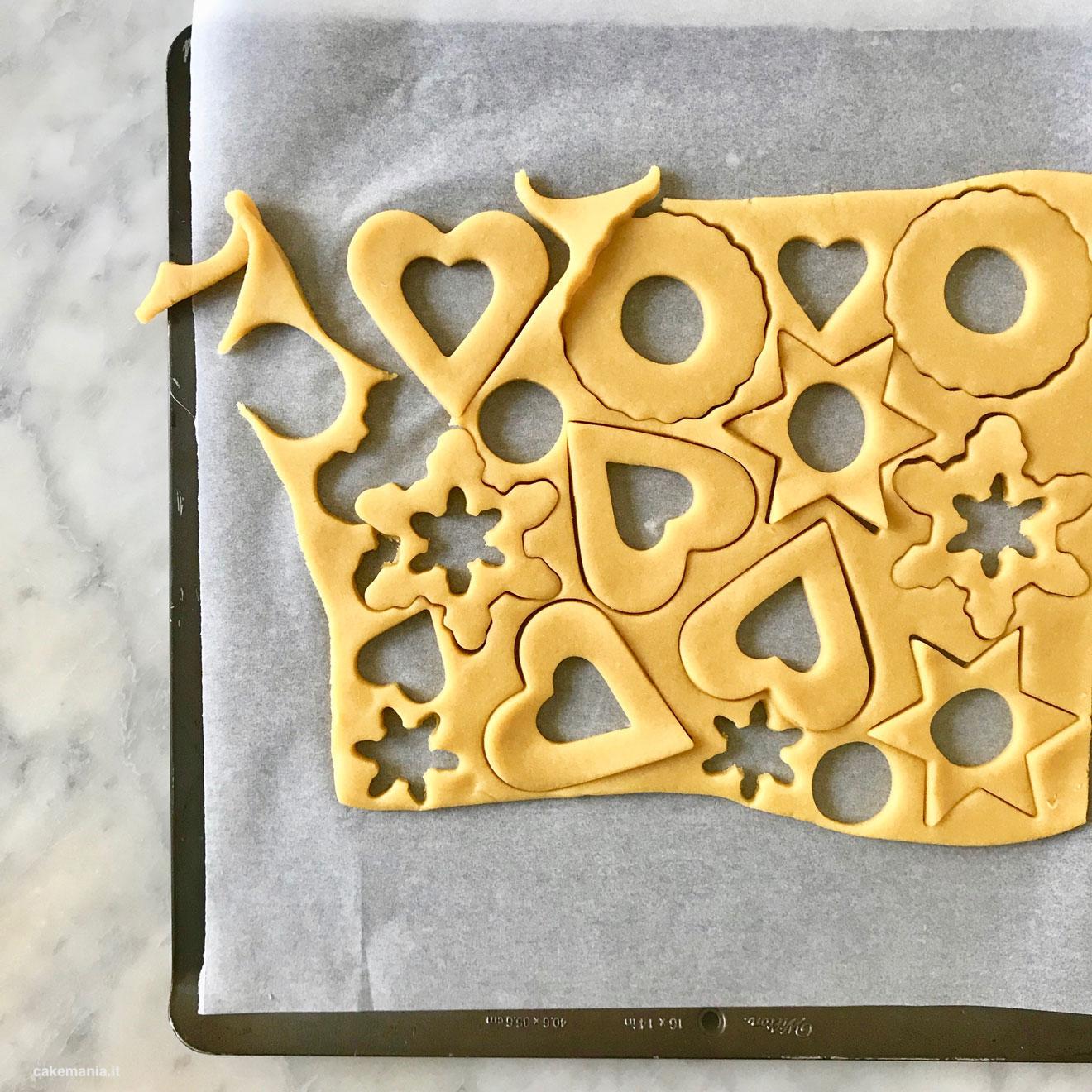 Biscotti Di Natale Effetto Vetro.Come Si Fanno I Biscotti Di Vetro O A Specchio Cakemania Dolci
