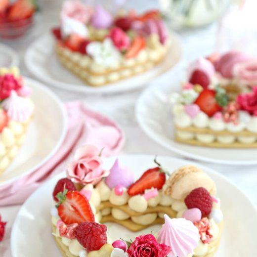 cream tart a forma di cuore